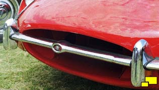 Jaguar E-Type motif bar